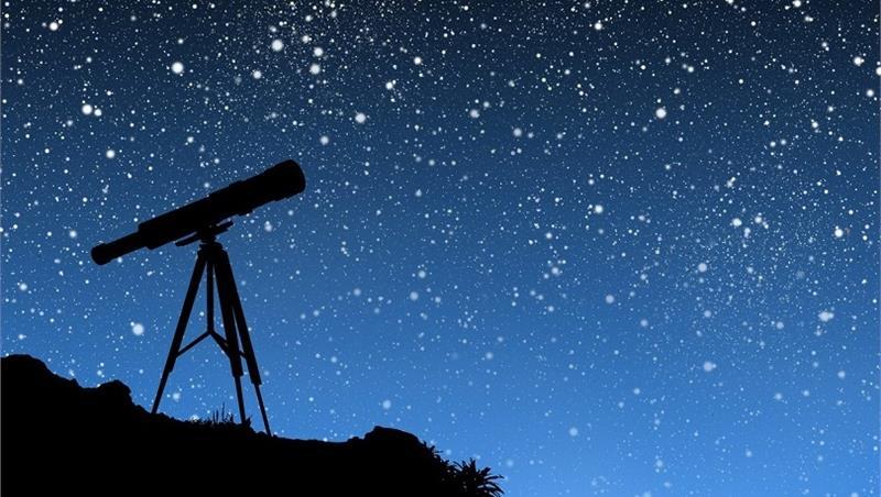Le montagne intorno a noi, il cielo stellato sopra di noi
