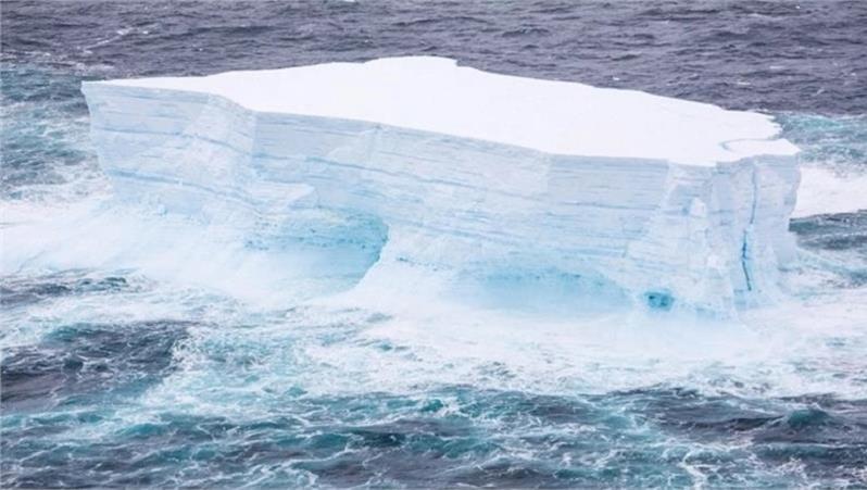 Un enorme iceberg si è staccato in Antartide, se ne parla con il prof. Massimo Frezzotti, glaciologo
